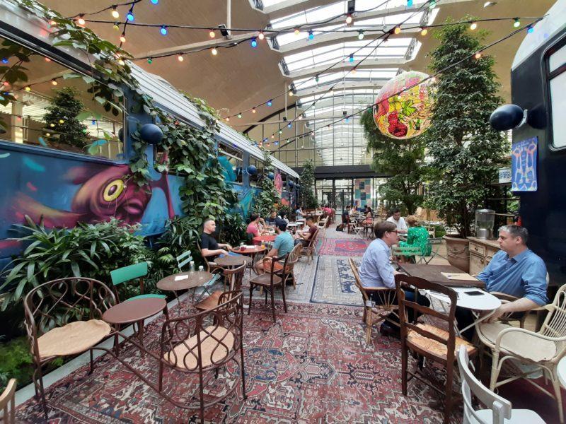 Top 10 best street art themed bars in Paris