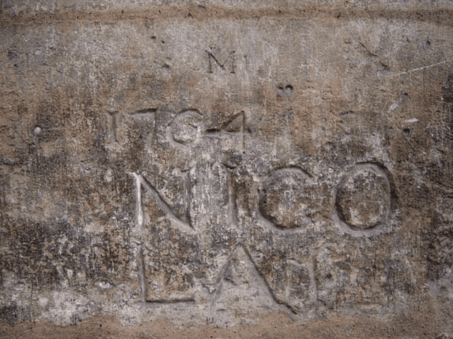 The oldest graffiti in Paris?